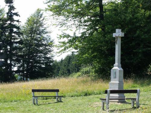 Osadený kríž